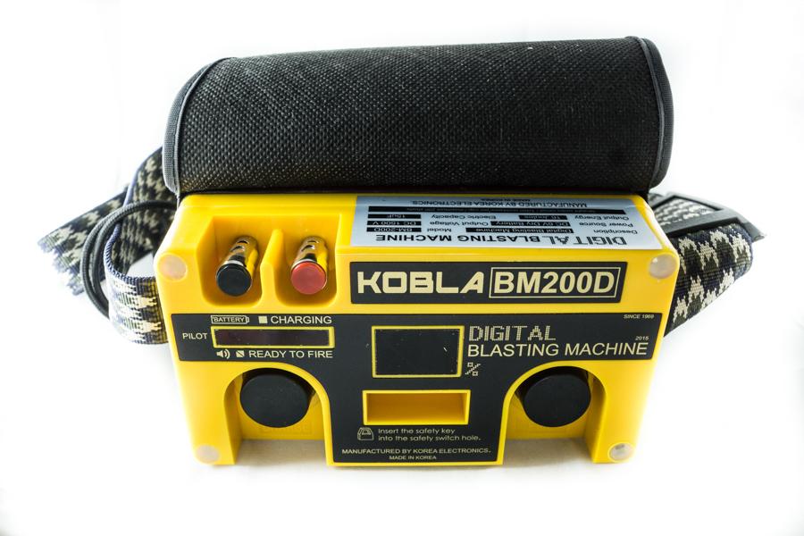 หม้อจุดระเบิด-Kobla-BM-200D_Digital-Blasting Machine-3